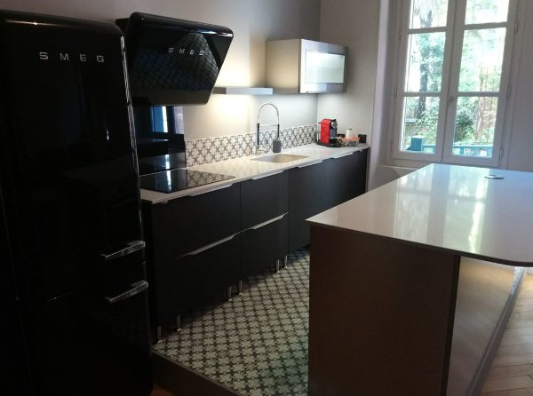 cuisine-vintage-sol-carreaux-ciment