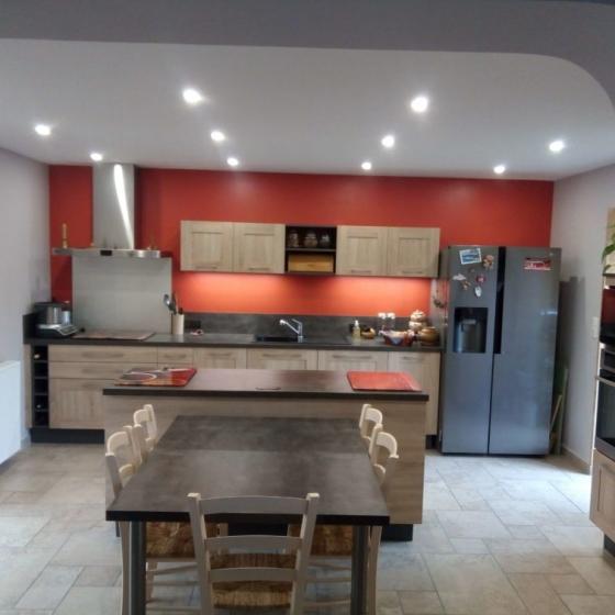 cuisine-amenagee-ilot-central-figeac-capdenac