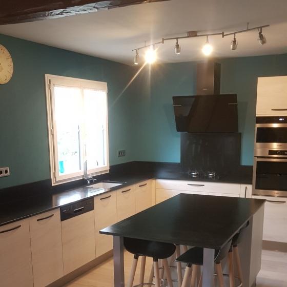 cuisine-amenagee-ilot-central-orleans-fleury-les-aubrais