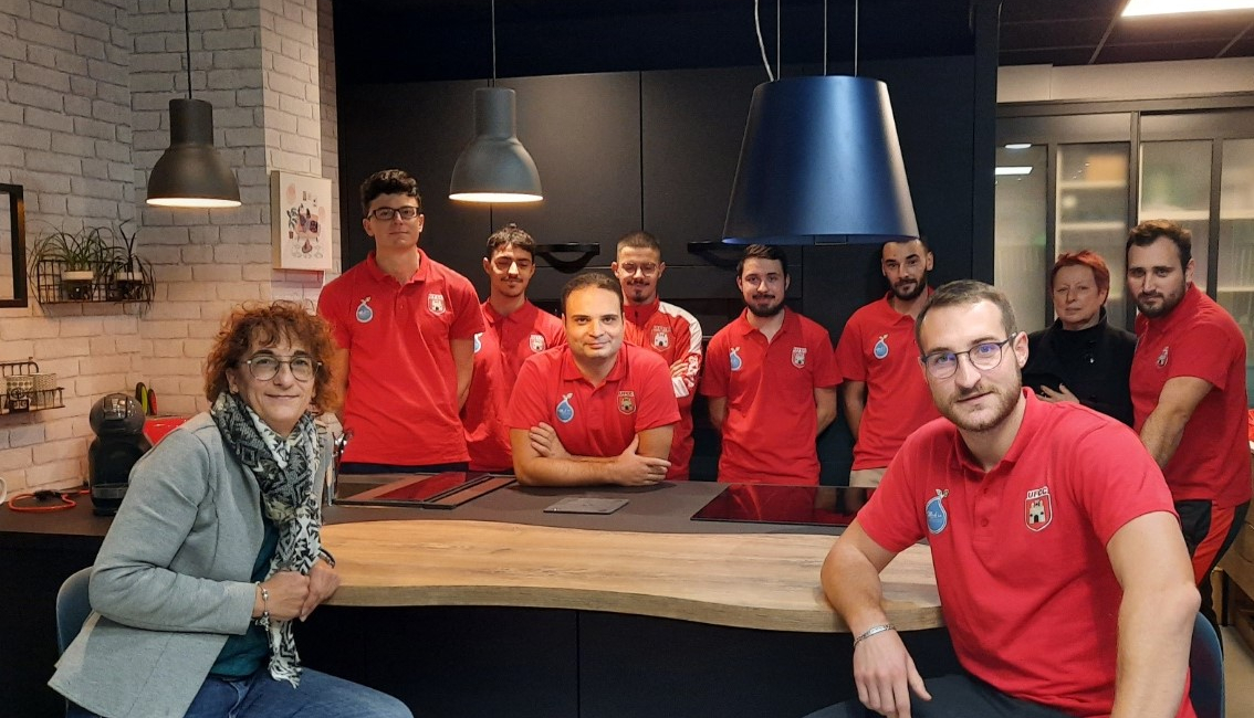magasin-cuisines-amenagees-figeac-sponsor-equipe-foot-locale