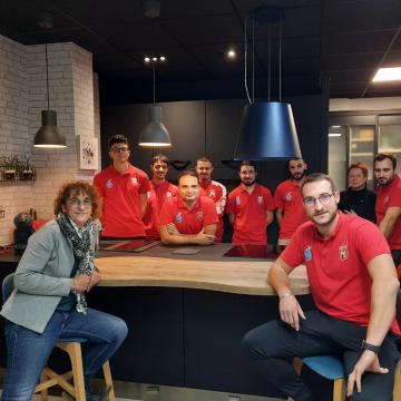 Votre magasin de cuisines est sponsor d'une équipe de football !